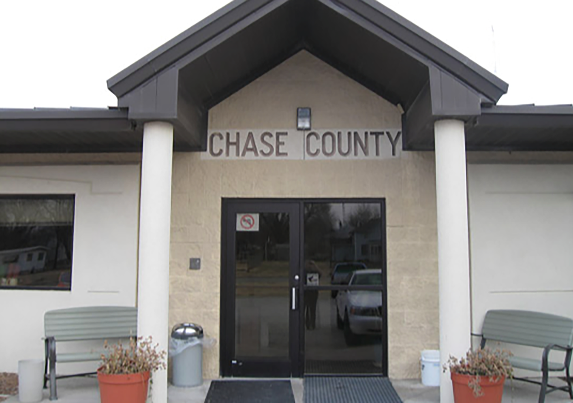 Chase County ICE facility outbreak highlights concerns over detainee overcrowding