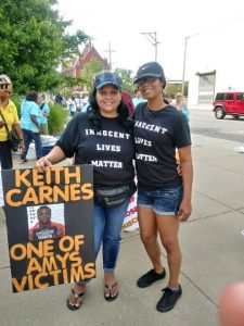 Latahra Smith, left, founder of KC Freedom Project, works for people who allegedly were falsely convicted of crimes. Smith takes to the street with her daughter, Paisley Canady, to advocate for Keith Carnes, who was convicted of murder in a case handled by former prosecutor Amy McGowan. (Submitted)