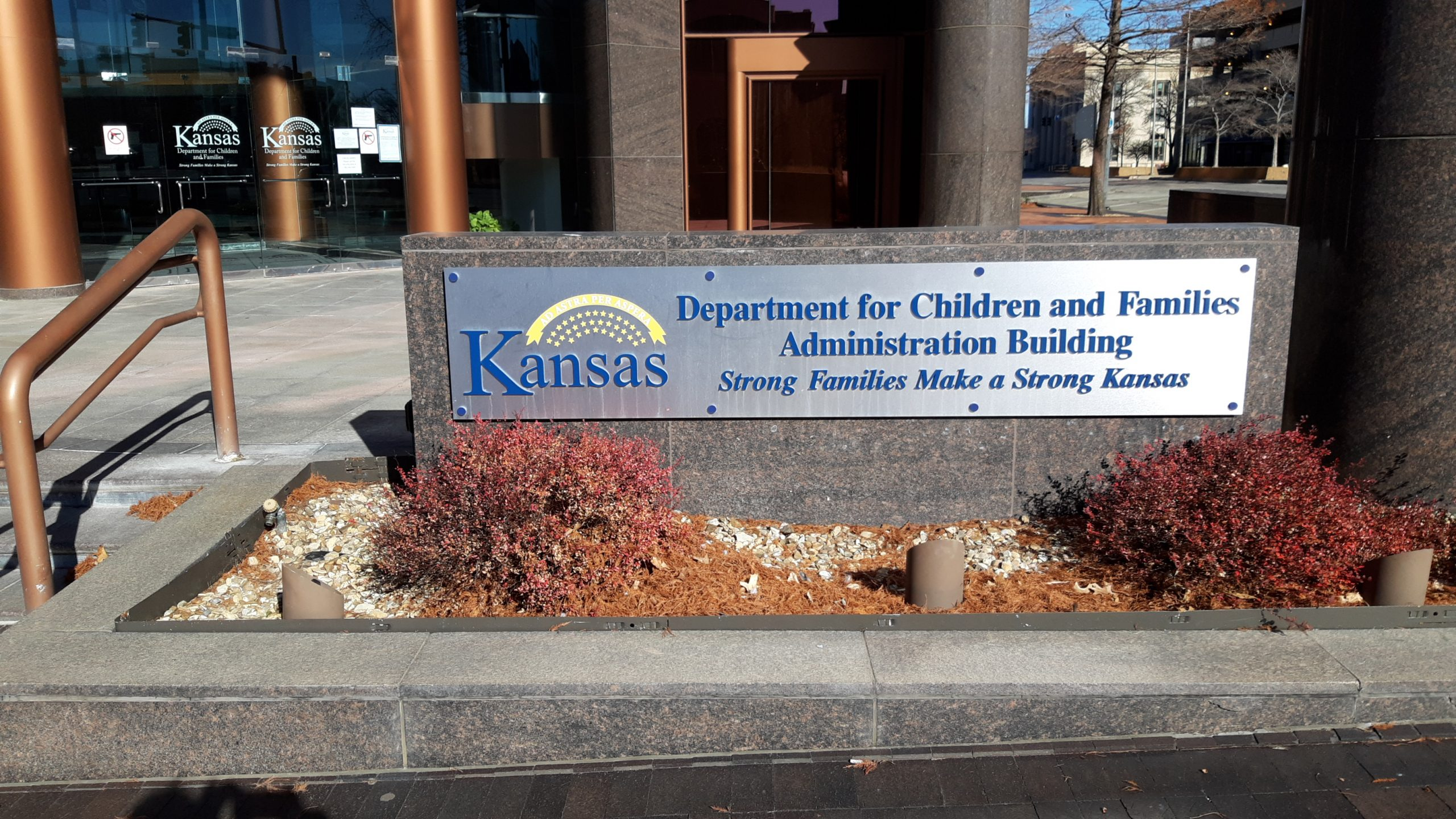 The Kansas Department for Children and Families financed an independent assessment of the privatized child-support system designed to operate in support of more than 140,000 children and their families. The review identified staff management, communication and computer issues hindering delivery of assistance. (Tim Carpenter/Kansas Reflector)