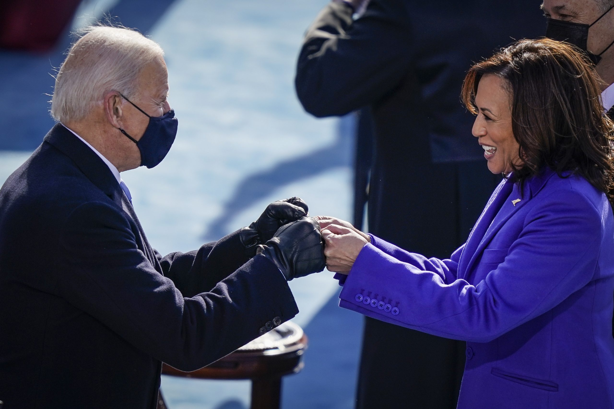 Biden orders tougher mask rules as part of overhauled COVID-19 strategy