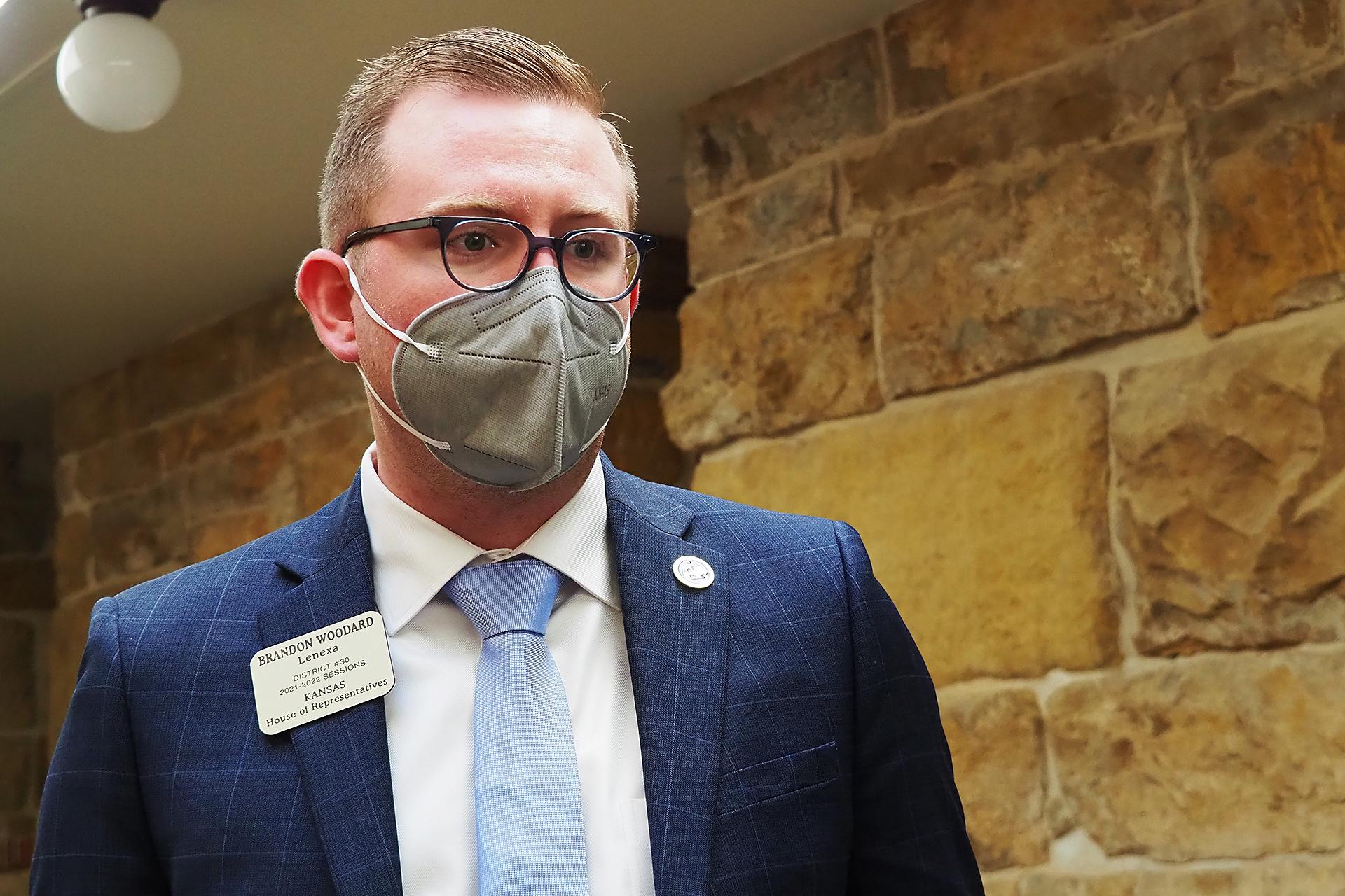 Kansas House endorses bill enhancing penalty for stalking a minor