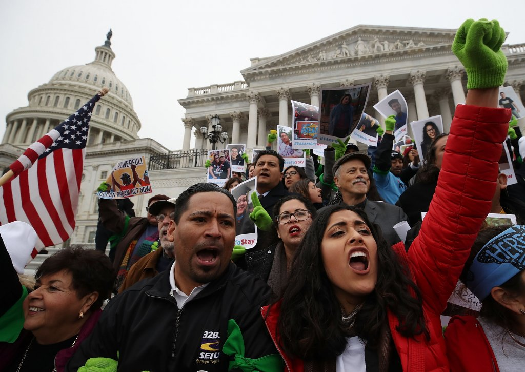 Democrats' vision for free community college would boost undocumented students