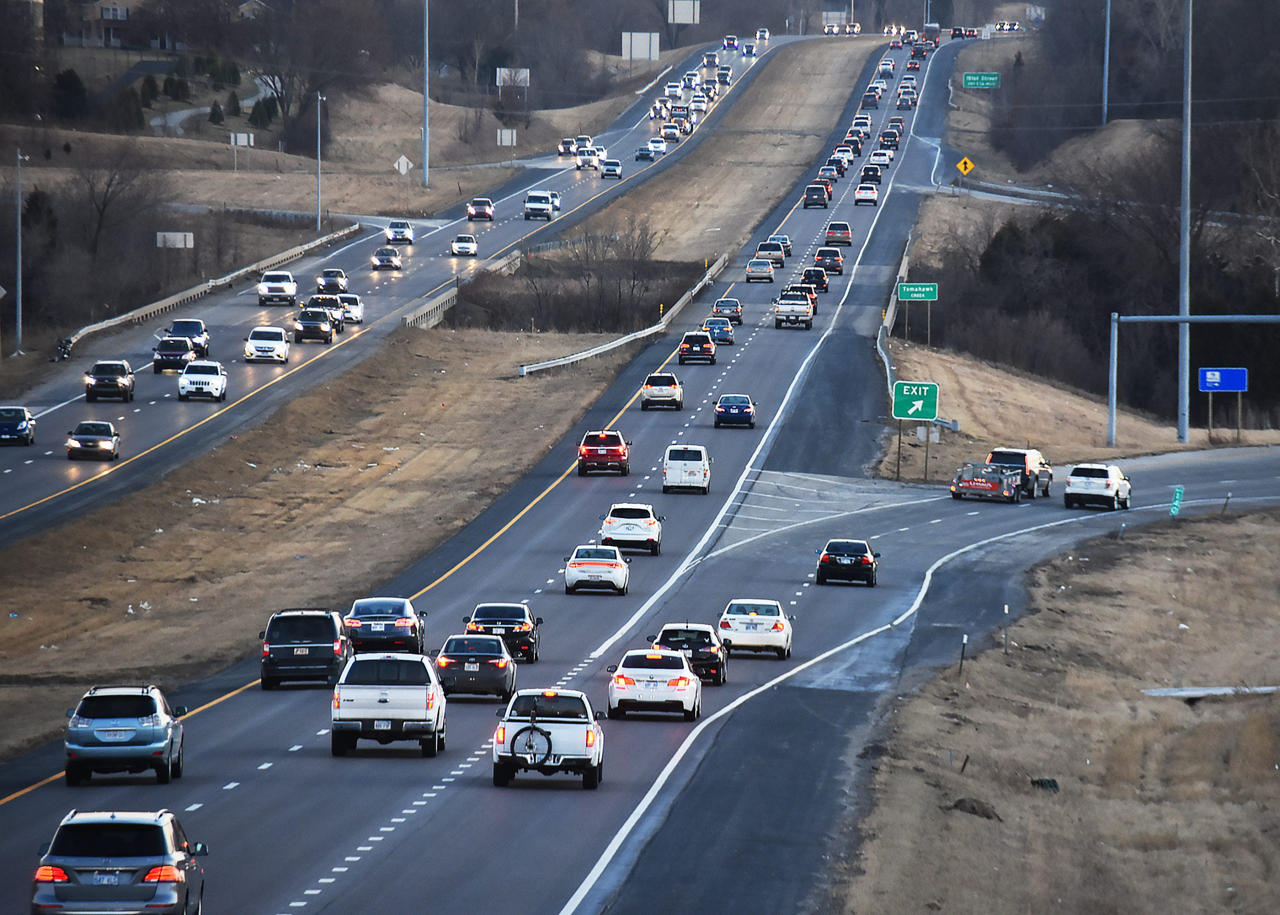 House pumps brakes on tweak to Kansas law allowing toll on new highway express lanes