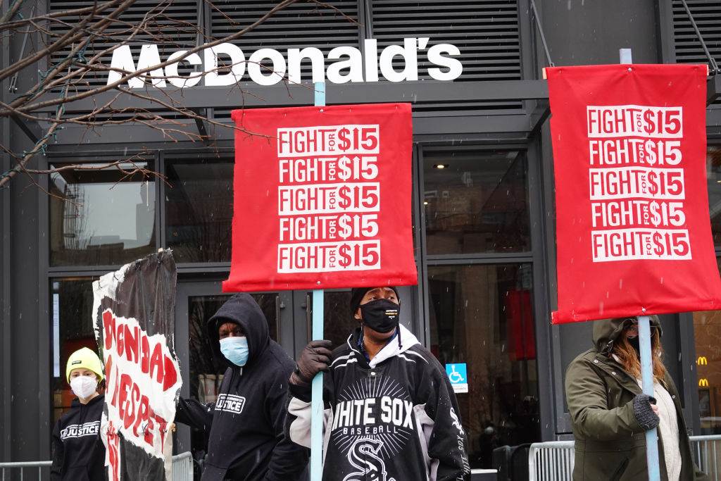 Restaurant chains slammed over resistance to minimum wage hike for tipped workers