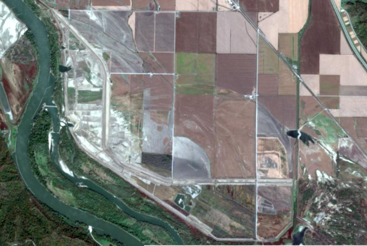 Report says hundreds of levees endanger Missouri River. One county is trying a new way